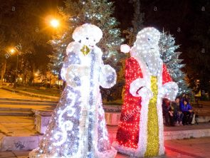 christmas-illumination-in-varna-bulgaria-F9M7YB