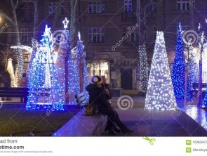 christmas-varna-bulgaria-december-electric-snowman-tree-illuminations-new-year-holidays-street-100920478