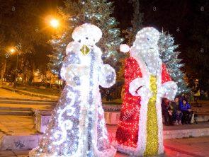 christmas-illumination-in-varna-bulgaria-F9M7YB